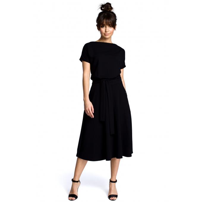 Sukienka midi z dekoltem łódka i rozkloszowanym dołem czarna B067